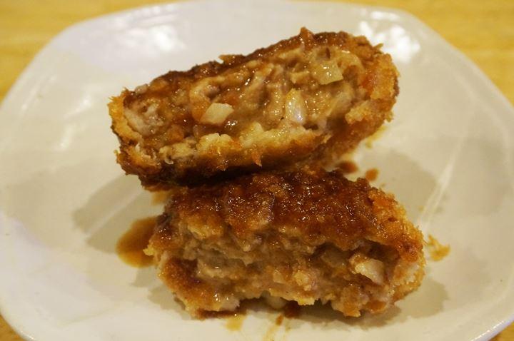 肉屋のメンチカツ Deep Fried Ground Meat Cutlet - 大衆酒場 かぶら屋 Izakaya Bar KABURAYA