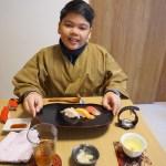 お寿司を食べながら!