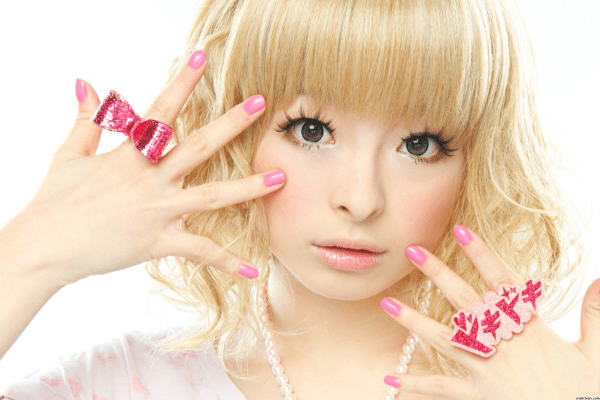 Kyary Promoting Japan's GU Fashion Stores
