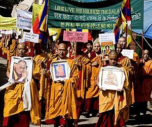 Tibetskí mnísi