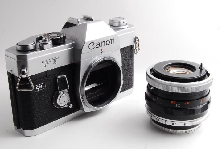 Canon FL 50mm F1.8単焦点レンズ