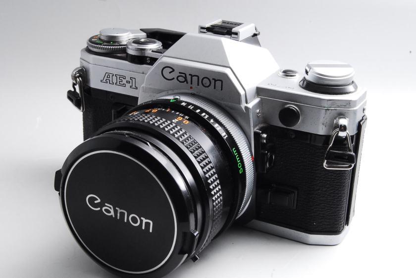 Canon AE-1カメラ