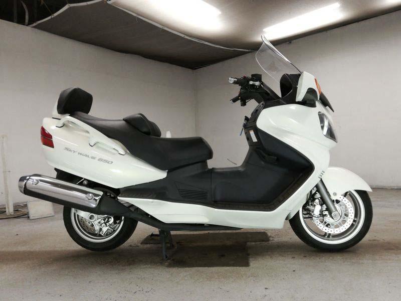 suzuki-bike-skywave650-2013-white-70312365441-1