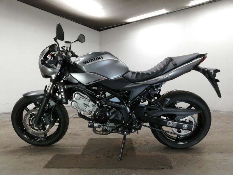 suzuki-bike-sv650x-2018-grey-70312365442-2