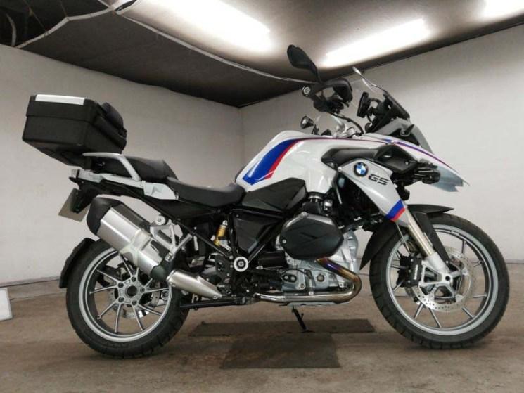 bmw-bike-r-1200gs-white-70312365465-1
