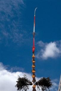 京都、祇園祭山鉾の大長刀。 祭礼中の山車や神輿は神の乗り物であり依代でもある。