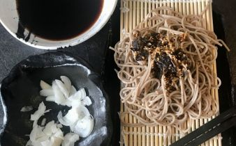 soba kold nudle suppe