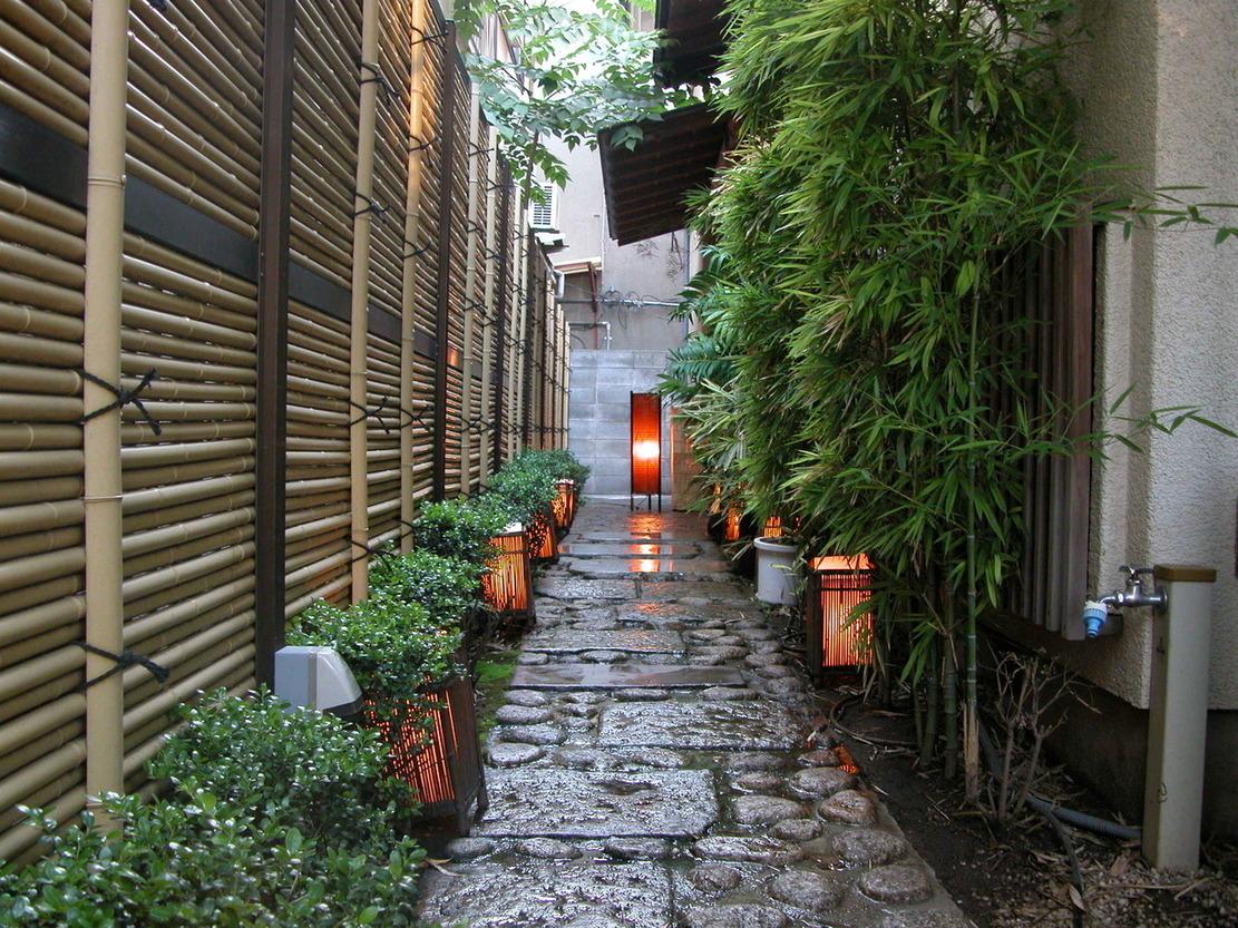 kagurazaka alley at dusk