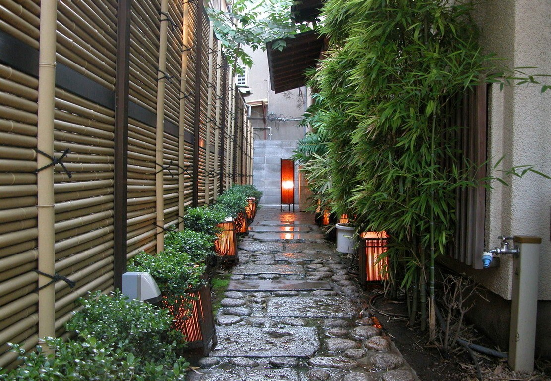 kagurazaka alley at dusk