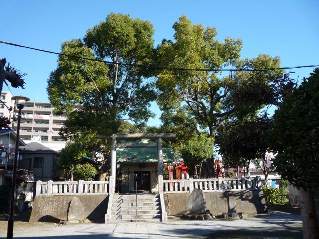 Azuma Shrine today near Azumabashi.