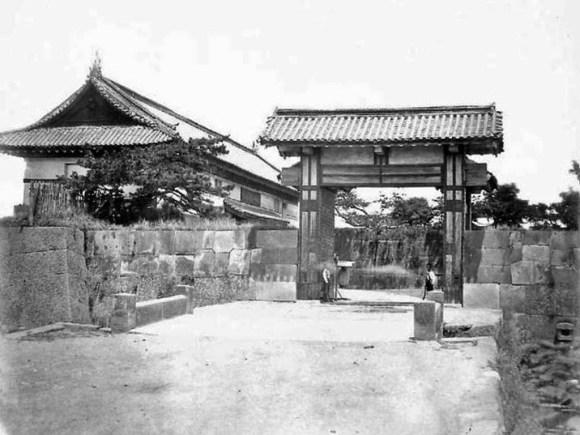 Saiwaibashi Mon in the Edo Period.