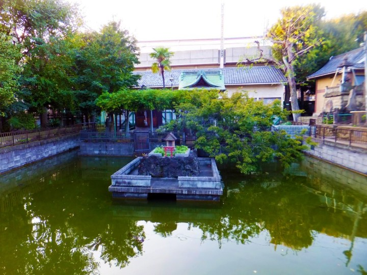 samezu hachimangu shrine