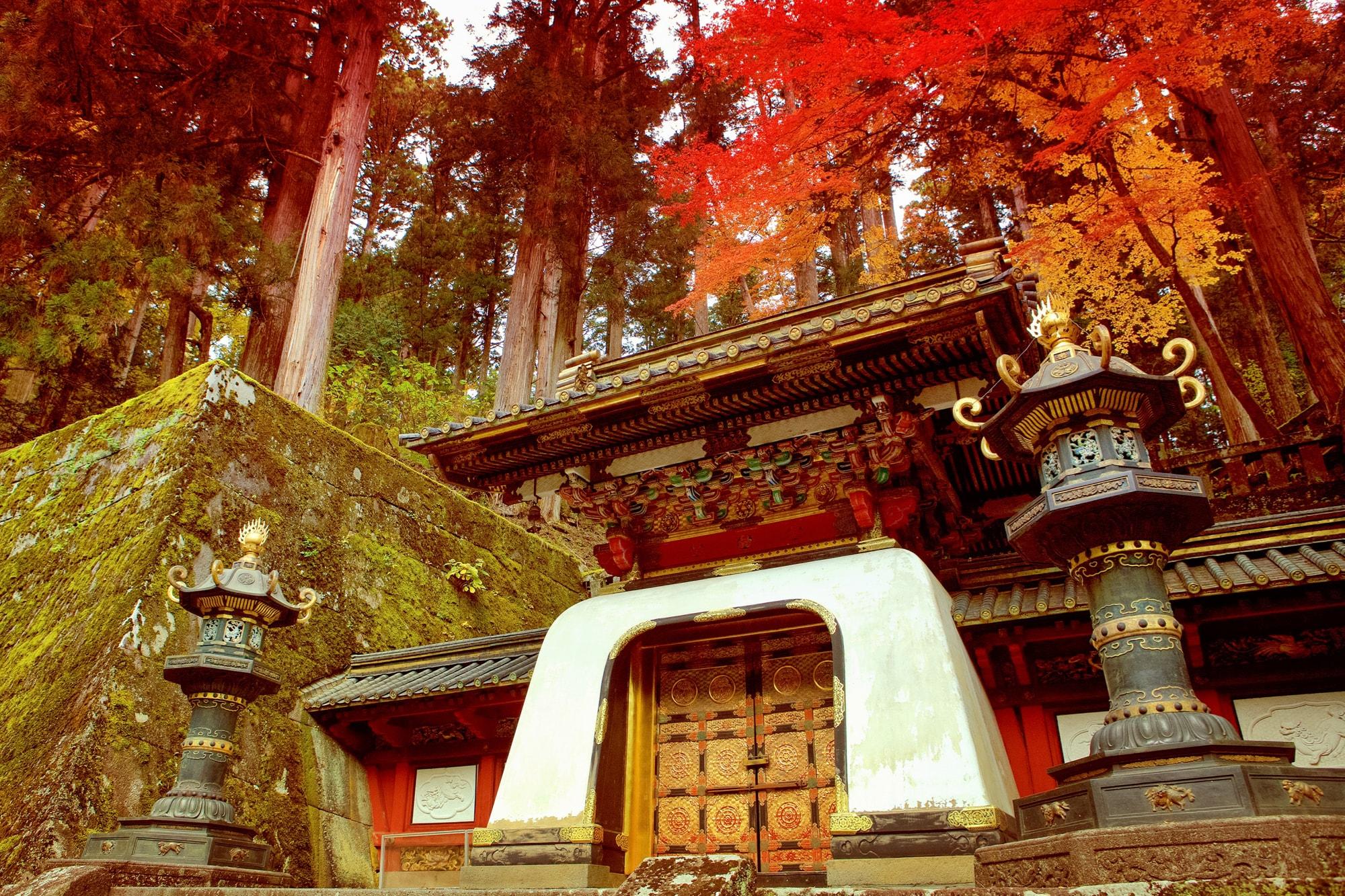 entrance to iemitsu's grave nikko day trip