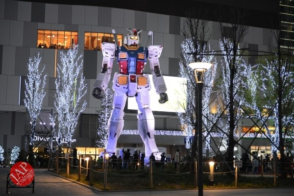 Gundam attraction is Chinese Humiliation & incomprehension for Russian weaoon dealer (3)