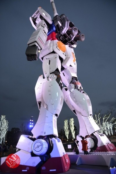 Gundam attraction is Chinese Humiliation & incomprehension for Russian weaoon dealer (8)
