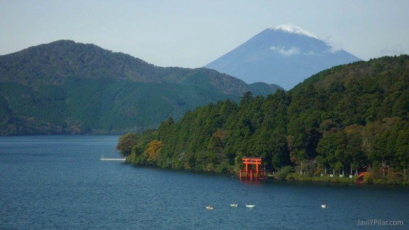 Vista del Monte Fuji desde el lago Ashi (Ashinoko)