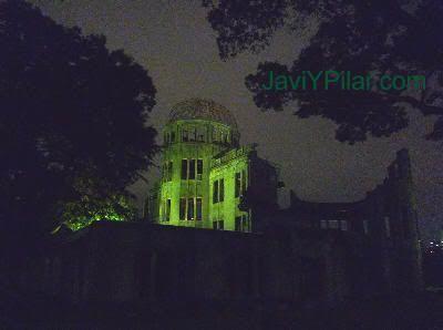Cúpula de la bomba atómica (原爆ドーム) en Hiroshima (Japón)