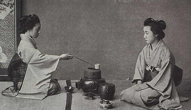Antigua foto durante una ceremonia del té en Kioto (Japón)