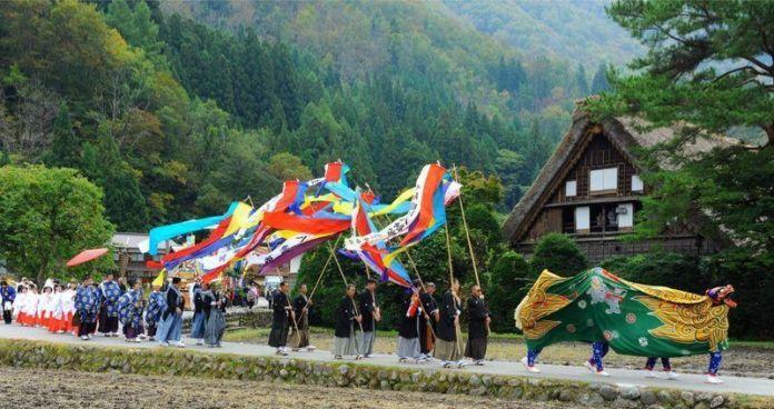 Festivales de Japón: el Doburoku Matsuri de Shirakawago