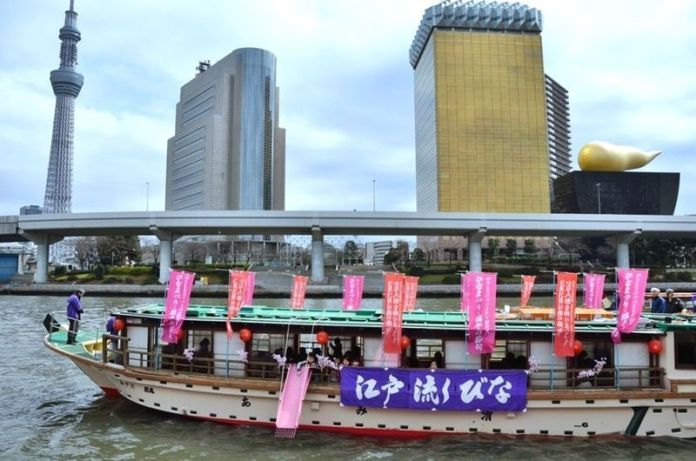 Festivales de Japón: festival Edo Nagashi Bina (江戸流しびな) en Tokio