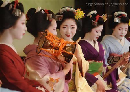 Festivales de Japón: el Kyō Odori (京おどり), un espectáculo de danza celebrado cada primavera en el distrito de geishas de Miyakawachō (宮川町)