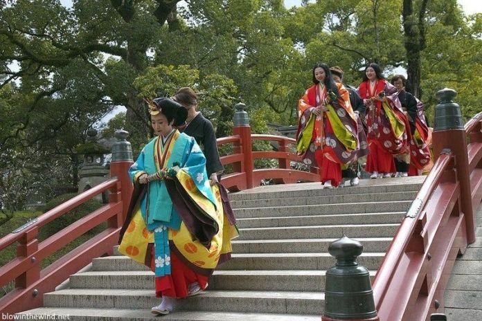 Celebración del Kyokusui No Utage en Fukuoka