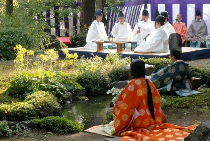 El Kyokusui No Utage (曲水の宴), un ritual sintoista consistente en una antigua forma de entretenimiento de la clase noble