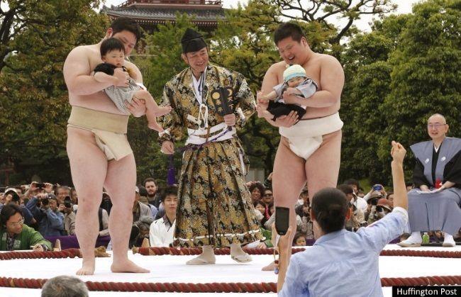 Festival Nakizumo en Hiroshima (Foto: Huffington Post)