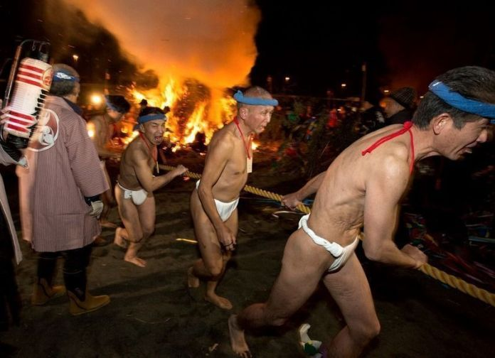 Festivales de Japón: Oiso No Sagicho o festival del fuego y los desnudos, en la prefectura de Kanagawa
