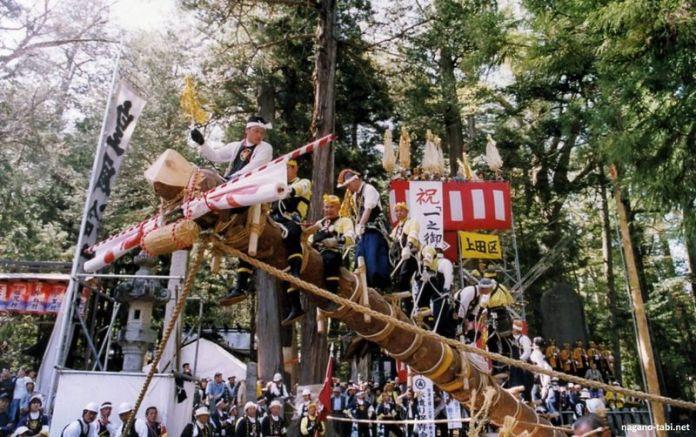 Festivales de Japón: el Ono Onbashira de Shiojiki, el festival más peligroso de Japón, celebrado una vez cada siete años