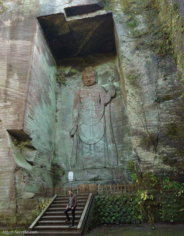 "Monte Nokogiri: Hyakushaku-Kannon(百尺観音) oKannon de 100 ""shakus"""