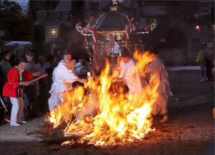 Shūki Reitaisai, un gran festival de otoño celebrado en el Santuario de Kushida de la ciudad de Imizu, en la prefectura de Toyama, cada 10 de septiembre