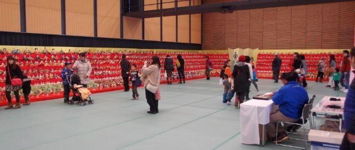 Festivales de Japón: el Dan Dan Long Hina Matsuri, un festival celebrado en la ciudad de Murayama (prefectura de Yamagata) durante una semana a mediados de marzo con motivo del Hina Matsuri.