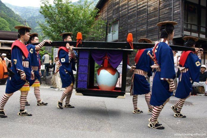 Procesión Ochatsubodōchū. Festival Shukubasai, celebrado cada año el primer fin de semana de junio en el histórico distrito de Narai