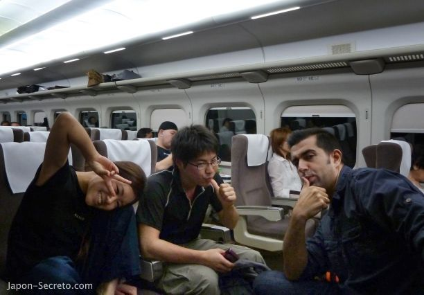 Subir al Monte Fuji (Japón): viajando en Shinkansen
