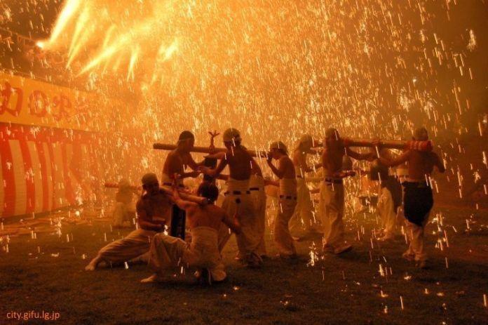 Festivales de Japón: el Tejikara No Hi Matsuri - Natsu (手力の火祭り・夏)