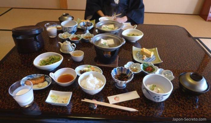 Desayuno en el Kusatsu Hotel