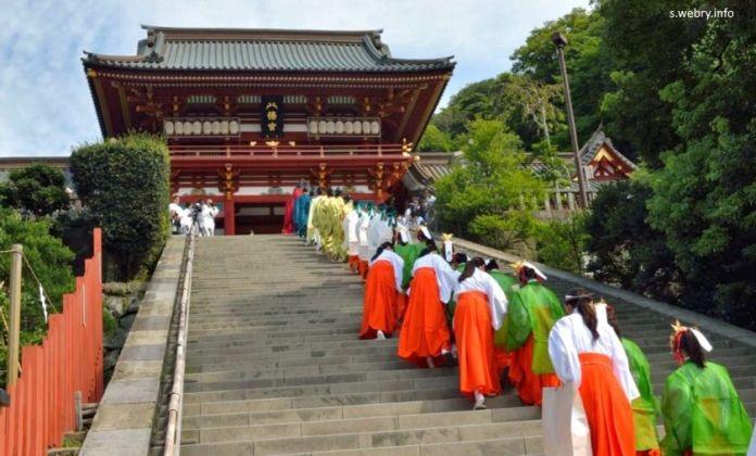 Festivales de Japón: Tsurugaoka Hachimangu Reitaisai de Kamakura. Ritual Shinko Sai