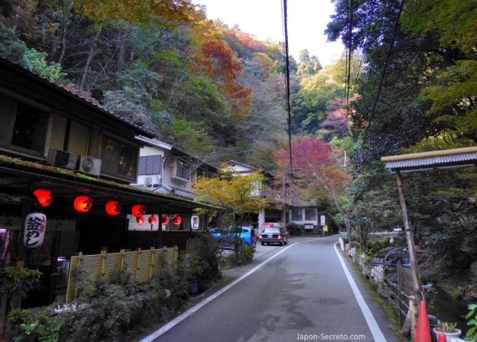Excursión a Kibune (Kioto) en otoño.