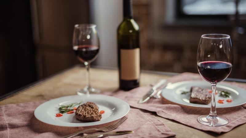 Jantar romântico: veja como preparar pratos incríveis para o Dia dos Namorados
