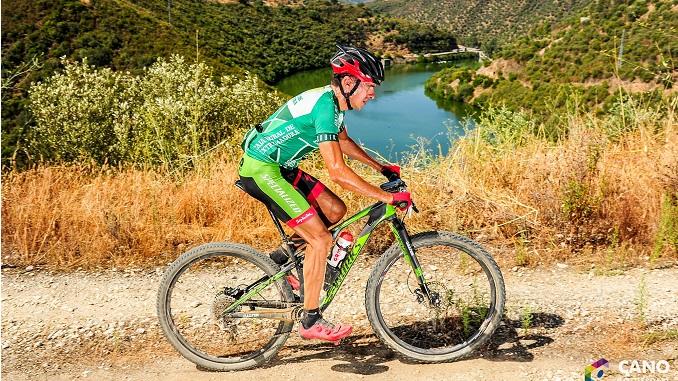 Alejandro Díaz de la Peña (Extremadura-Ecopilas), vencedor final del Skoda Titán Xtrem Tour y Campeón de Extremadura XCUM