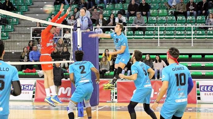 Guillermo Tovar renueva otra temporada por el AD. Cáceres Voleibol de Superliga2