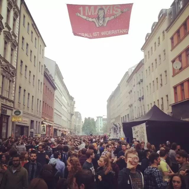 O dia dos trabalhadores foi de muito policiamento, festa e protestos na capital da Alemanha