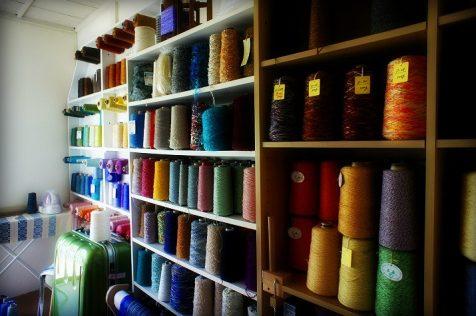 カラフルな絹糸達