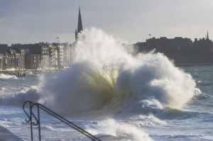 Saint-Malo près de la chambre à tachyons