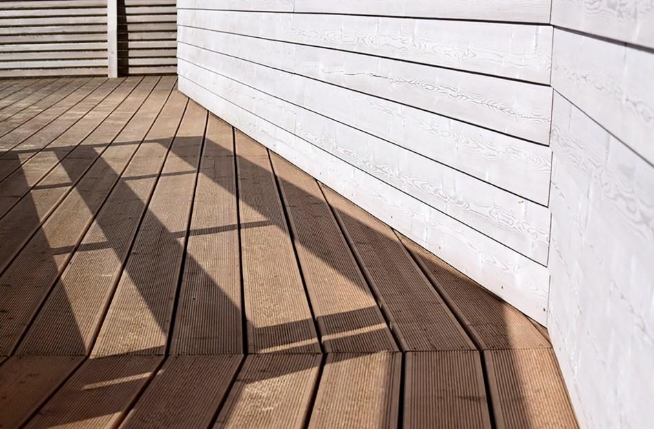 Surface de terrasse en bois.