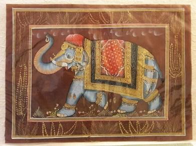Pitchway peint à la main sur tissu représentatif de scène indienne, INDE - Dimension : 24 cm x 32 cm - Prix de vente : 15€.