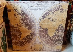 """Tableau """"Mappemonde"""" impression sur cadre en bois, INDONESIE - Dimension : 80 cm de haut x 80 cm de large - Prix de vente : 120€."""