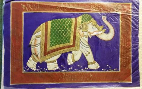 Pitchway peint à la main sur tissu représentatif de scène indienne, INDE - Dimension : 23 cm x 35 cm - Prix de vente : 15€.