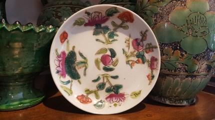 Coupelle en porcelaine de Chine, décor peint à la main (Années 1950), CHINE - Prix de vente : 79€.